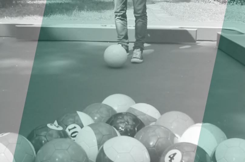 Бильярд футбольными мячами Снукбол соревновательные игры